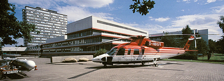 BGR helicopter and electromagnetic sensor in front of the BGR building
