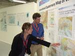 Dr. Kristine Asch erklärt die quartärgeologische Karte